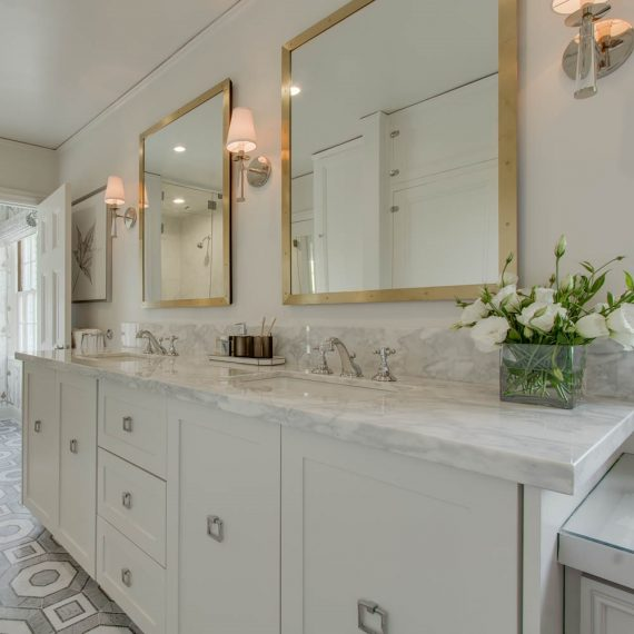 master bathroom // vanity // @simplifiedbee