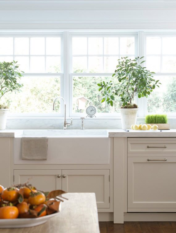 farm sink + windows // kitchen