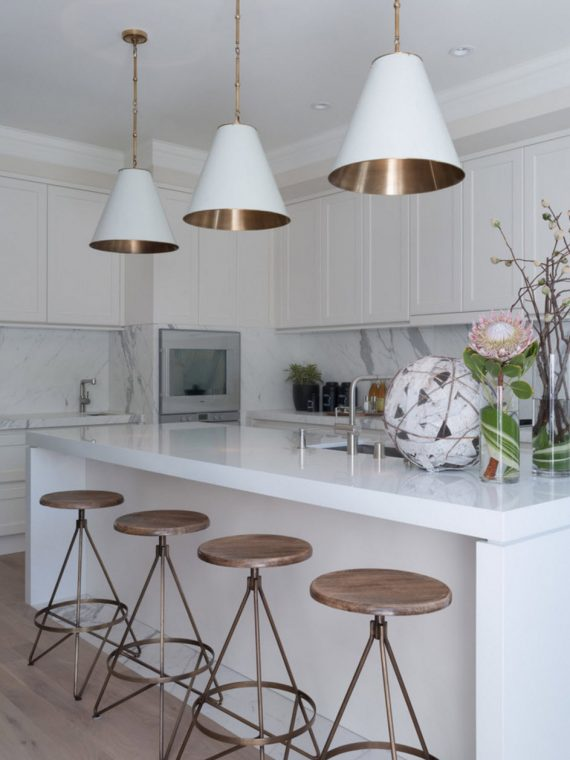 white kitchen // brass accents