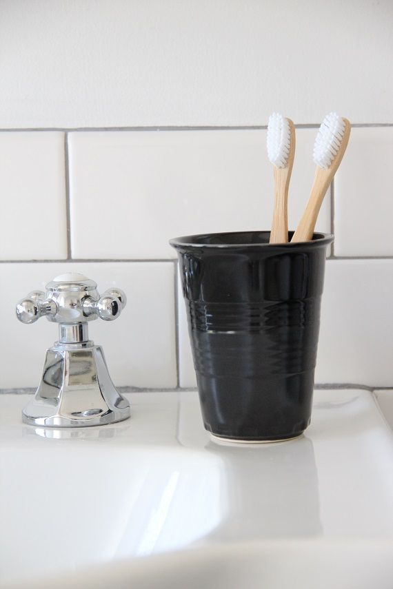 modern bathroom accessories // @simplifiedbee