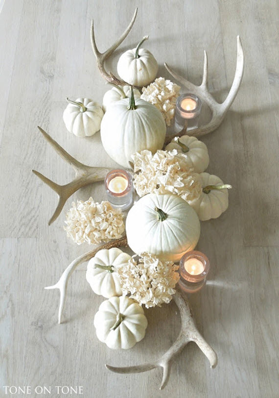 white pumpkins & antlers // thanksgiving tablescape
