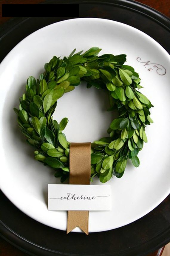 mini boxwood wreaths