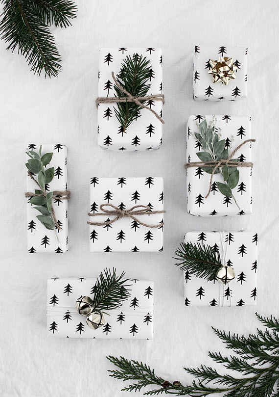 beautiful christmas tree paper // holiday gift wrapping ideas