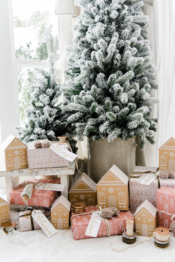 gingerbread houses // beautiful holiday gift wrapping ideas