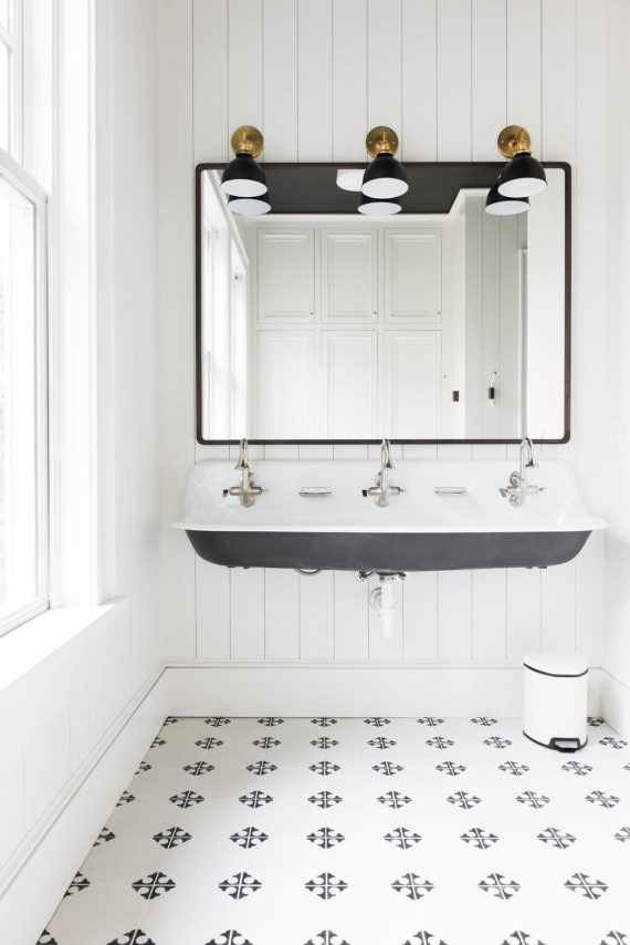 beach house bathroom // black and white // cortney bishop design