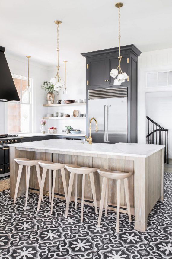 beach house // black and white kitchen // cortney bishop design
