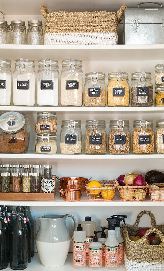 organized pantry // @simplifiedbee