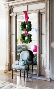 boxwood wreaths with pink bows #holiday