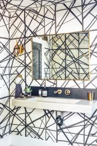 Bathroom // Kelly Wearstler Wallpaper // Megan Tagliaferri